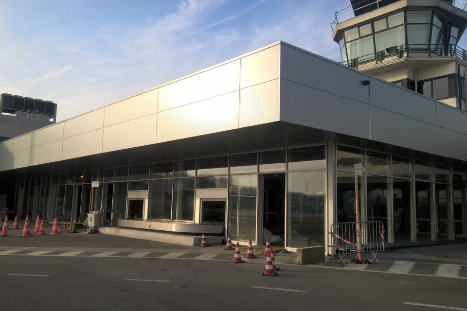Almobe industriebouw - Vertrekhal Antwerp Airport