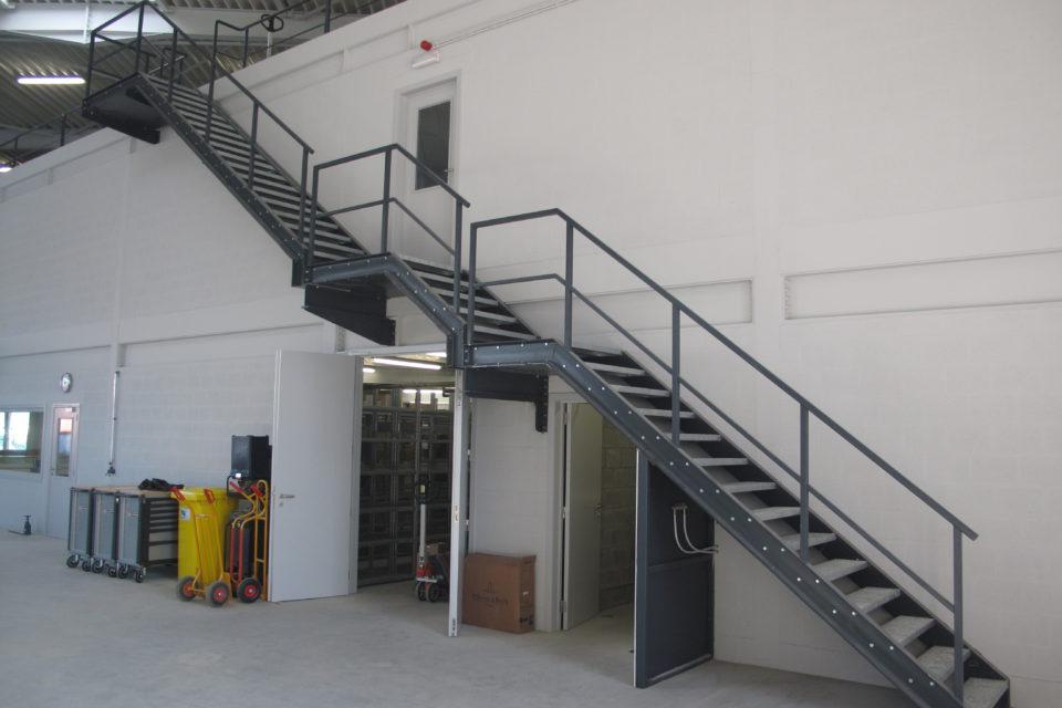 Almobé Industriebouw - Garage Kant Olen (1)